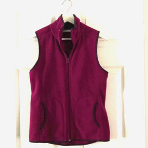 Old Navy fleece vest